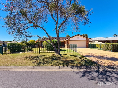 2 Squire Place Sandstone Point, QLD 4511