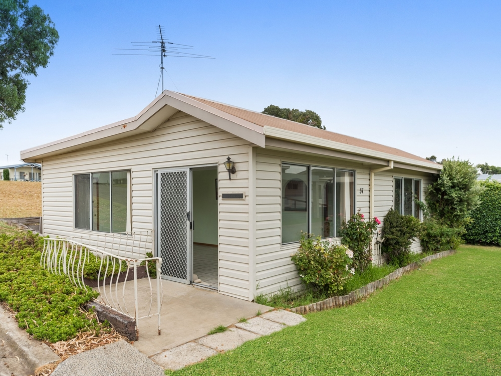 P019/282-300 Clifton Avenue Leopold, VIC 3224