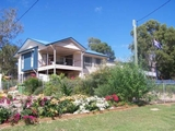 74 PERULPA DR Lamb Island, QLD 4184