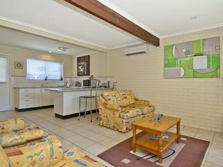 Unit 1/4 Cowper Ave Eagleby , QLD, 4207