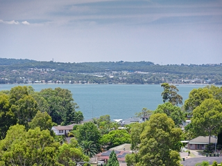 8 Express Circuit Marmong Point , NSW, 2284