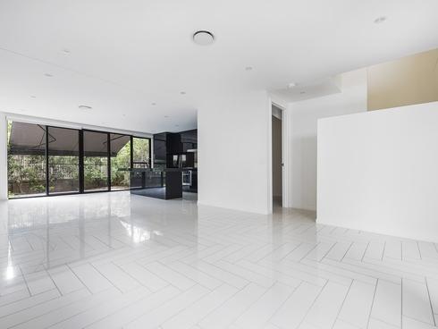 30 Theatre Drive Benowa, QLD 4217