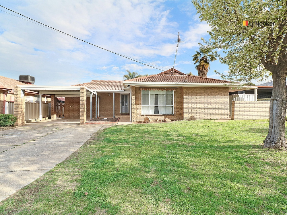 42 Brunskill Road Lake Albert, NSW 2650