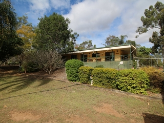 26 Lockyer View Road Wivenhoe Pocket , QLD, 4306