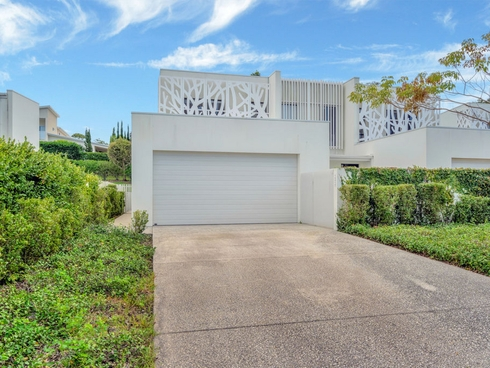 10015 The Boulevard Benowa, QLD 4217