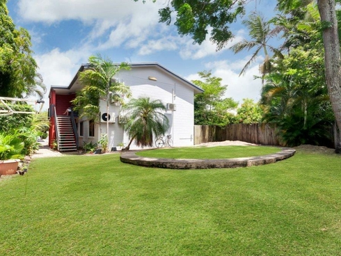 2/15-17 Earl Street Westcourt, QLD 4870