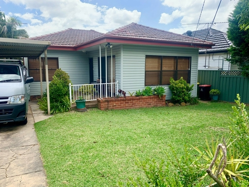 128 Woods Road Yagoona, NSW 2199