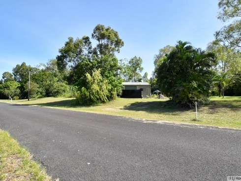 11 Paradise Palm Drive Tully Heads, QLD 4854