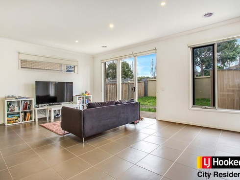 17 Broadbeach Circuit Point Cook, VIC 3030