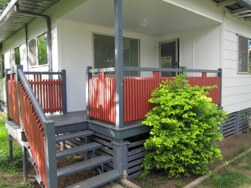 27 Bannerman Street Riverview, QLD 4303