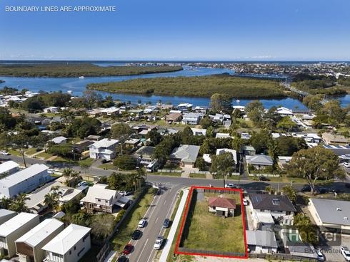 61 Crescent Avenue Hope Island, QLD 4212