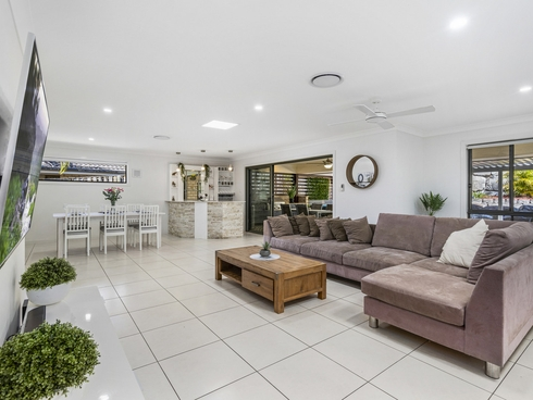 37 Manning Circuit Pacific Pines, QLD 4211