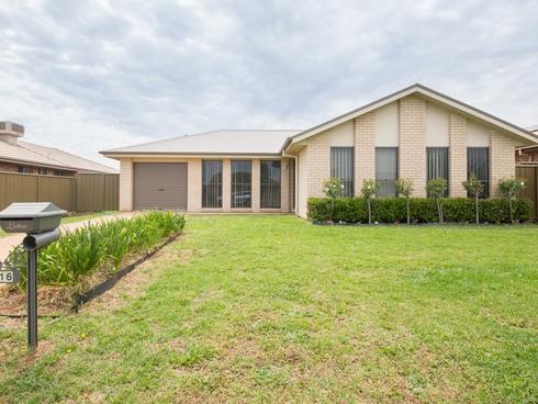 16 Arthur Summons Street Dubbo, NSW 2830