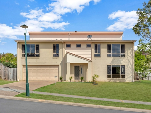 1/1 Ainsworth Street Pacific Pines, QLD 4211