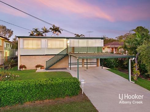 35 Dunbil Avenue Ferny Hills, QLD 4055