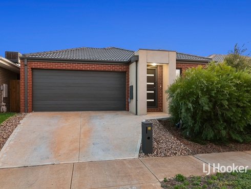 35 Toolern Waters Drive Weir Views, VIC 3338