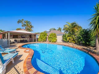 5 Hazell Avenue Banksia Beach , QLD, 4507