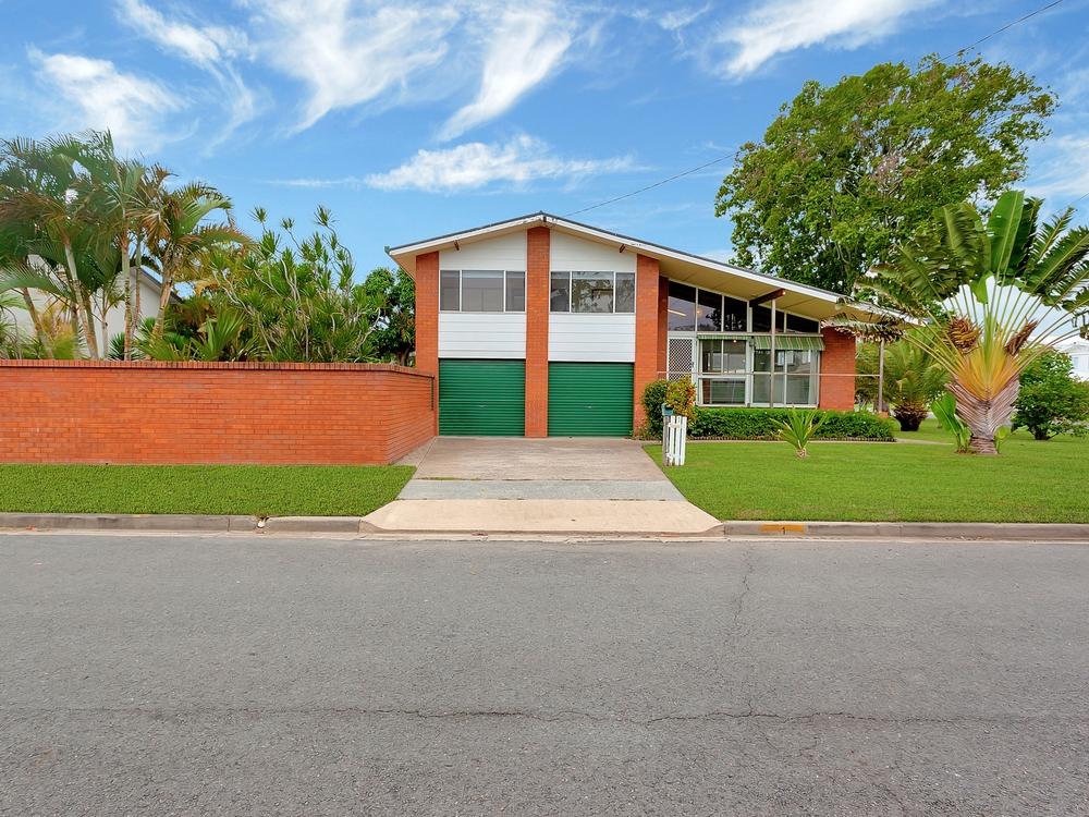1 Barwon Street Burleigh Waters, QLD 4220