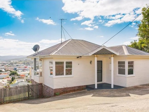 17 First Avenue West Moonah, TAS 7009