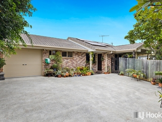 2/56 Benfer Road Victoria Point , QLD, 4165
