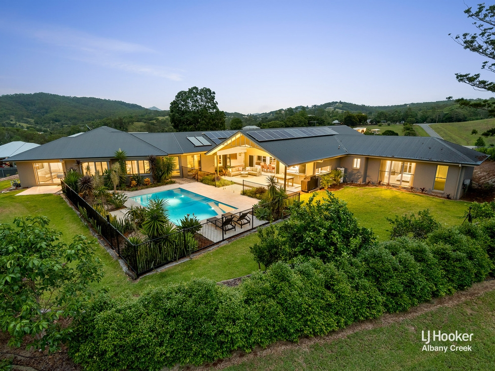 53 Ramsay Road Clear Mountain, QLD 4500
