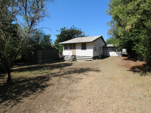 86 George Street Linville, QLD 4314