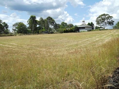 17 Queen Street Dallarnil, QLD 4621