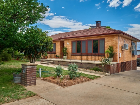 6 Little Place Scullin, ACT 2614