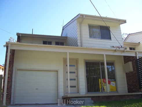 19 Threlkeld Drive Bolton Point, NSW 2283