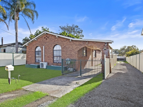 13 Goobarabah Avenue Lake Haven, NSW 2263
