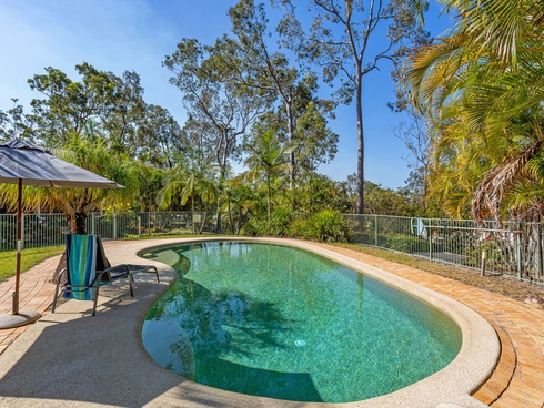 34 Walker Drive Worongary, QLD 4213