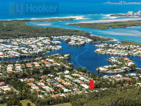 18 Sunview Drive Twin Waters, QLD 4564