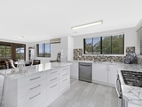 8 Yumbool Close Forresters Beach, NSW 2260