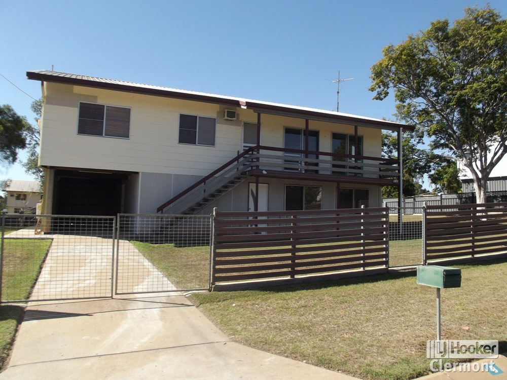 8 Athol Court Clermont, QLD 4721