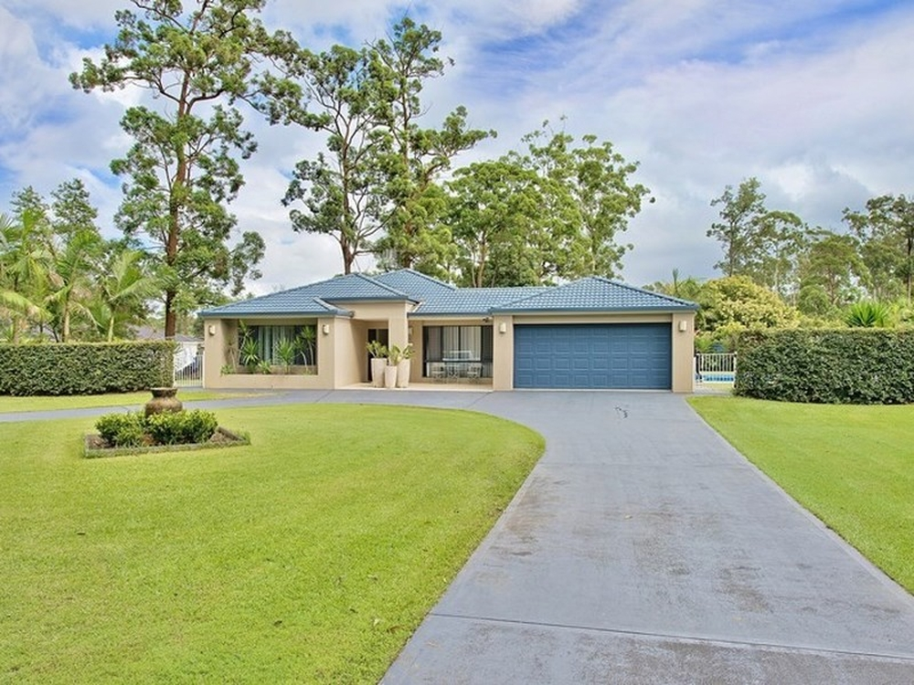 61 LAKESIDE WAY Lake Cathie, NSW 2445