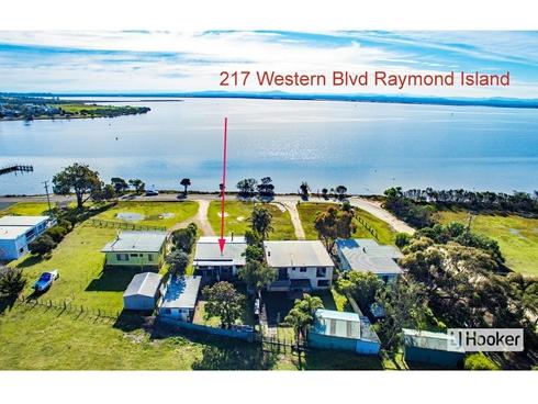 217 Western Boulevard Raymond Island, VIC 3880