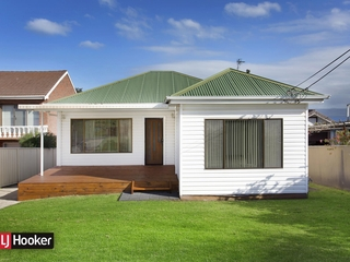 65 Grand View Parade Lake Heights, NSW 2502