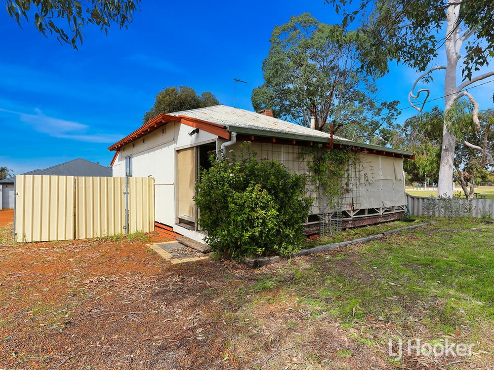 42 Simpson Street Collie, WA 6225