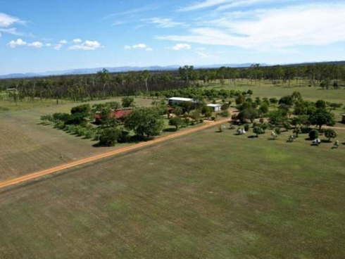 1007 Gatton-Esk Rd Spring Creek, QLD 4343