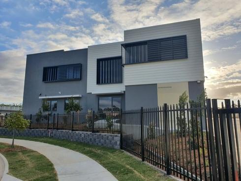 Unit 25/8 Distribution Court Arundel, QLD 4214
