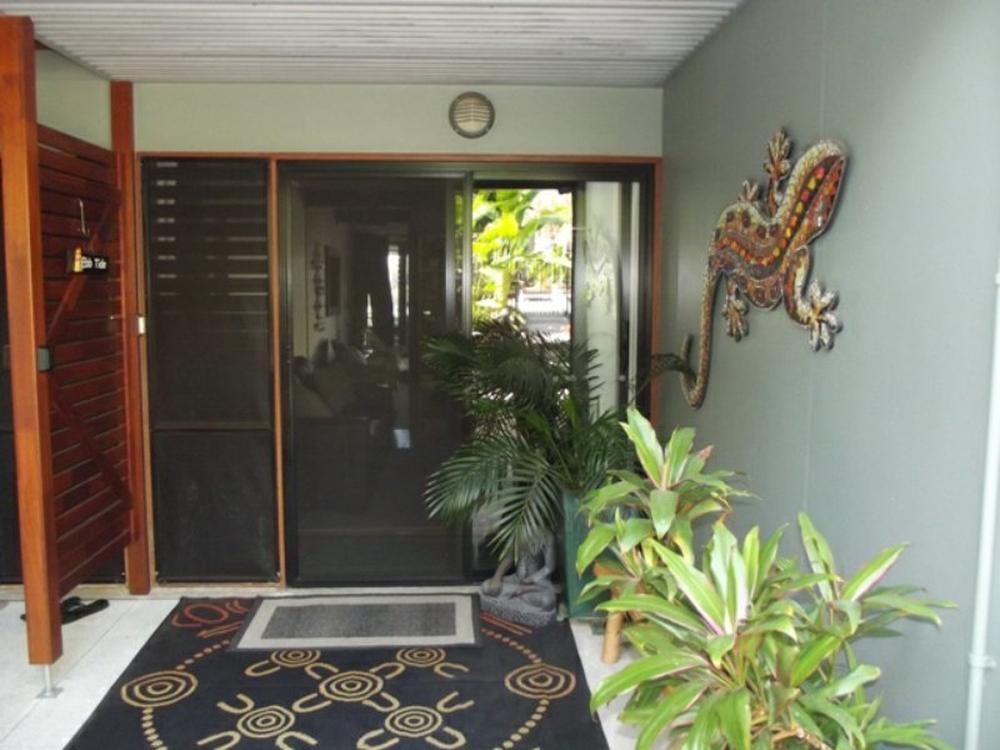 10 Cowes Street Macleay Island, QLD 4184