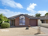 7 Halbert Court Andrews Farm, SA 5114