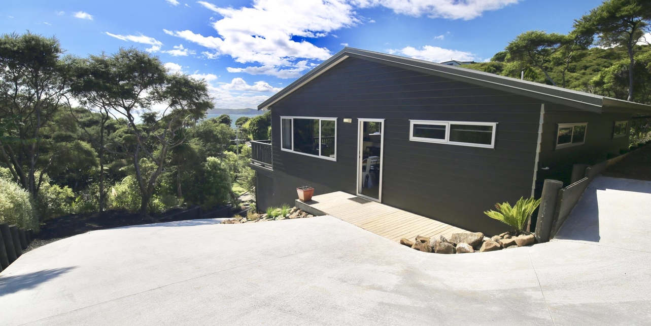 33 Whaanga Road Raglan featured property image