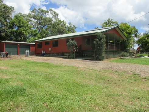 8 Double Bay Street Macleay Island, QLD 4184