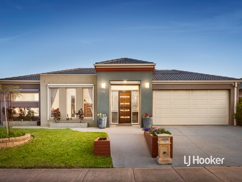 15 Dargy Amble Point Cook, VIC 3030