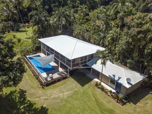 1301 Mossman Daintree Road Rocky Point, QLD 4873