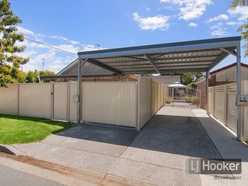 2/19 Rouen Avenue Paradise Point, QLD 4216