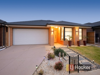 26 Fenway Boulevard Clyde North , VIC, 3978