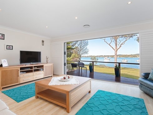51 Bay Road Bolton Point, NSW 2283