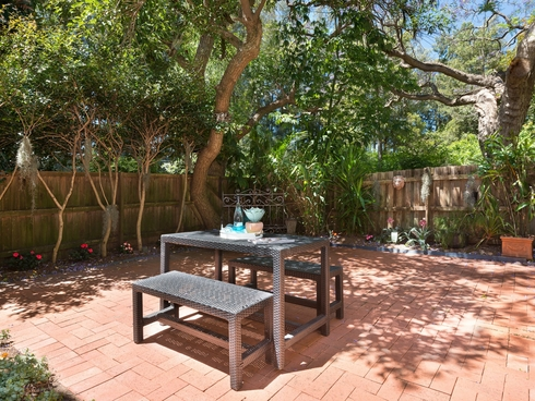 2/17A Woonona Avenue Wahroonga, NSW 2076